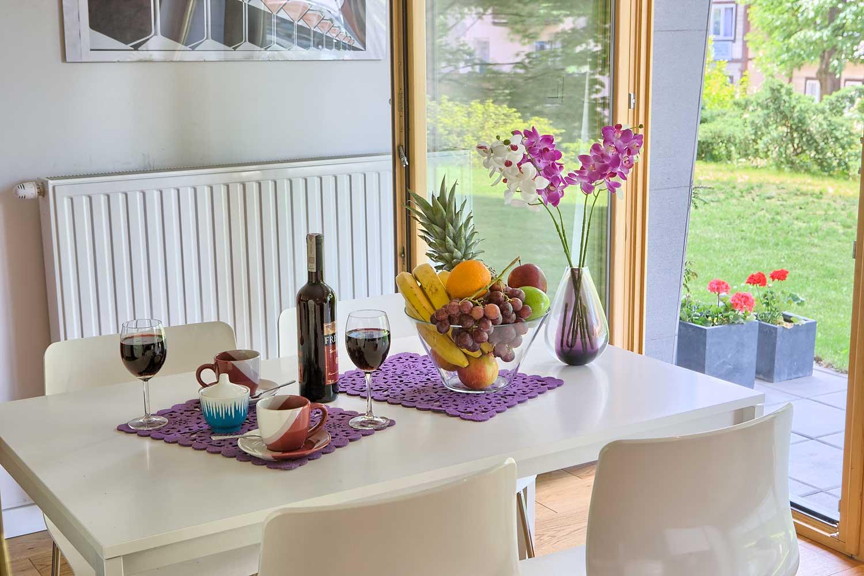 violet stol jadalnia - apartament zakopane violet
