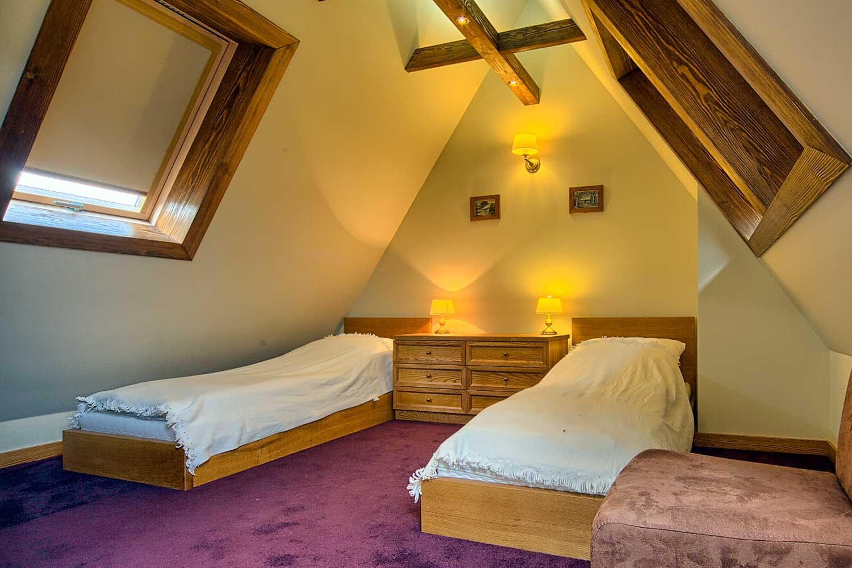 Sypialnia z oddzielnymi łóżkami - apartament Śródziemnomorski